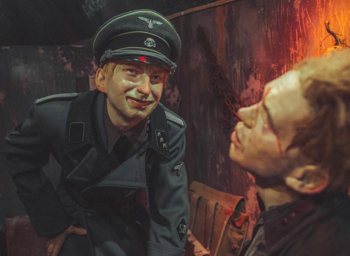фашисты поймали солдата